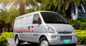 minivan listrik wuling